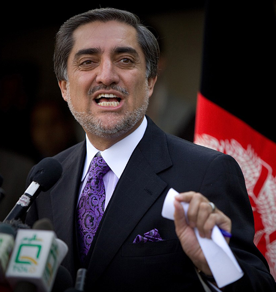 حمله هوایی ناتو به نظامیان افغانستان در هلمند بررسی میشود
