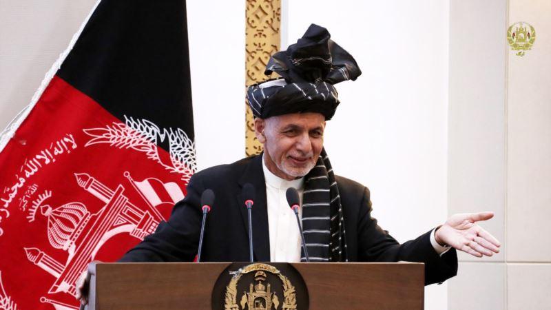 غنی خواهان بازنگری نحوه آموزش در افغانستان شد