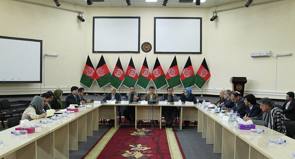 انتخابات ریاست جمهوری سه ماه به تعویق افتاد