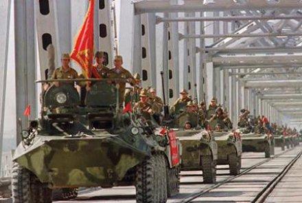سالروز خروج ارتش سرخ؛ رییسجمهور از مردم خواست متحد باشند