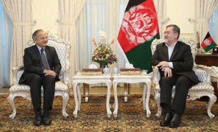 دانش: تغییر نظام سیاسی افغانستان و منطقه را درگیری جنگ می کند