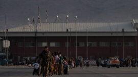 سفر از پیش اعلام نشده دو مقام کنگره به فرودگاه کابل