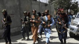 طالبان در «جستجوی خانه به خانه» مخالفان؛ ۱۸ هزار نفر از کابل تخلیه شدند !